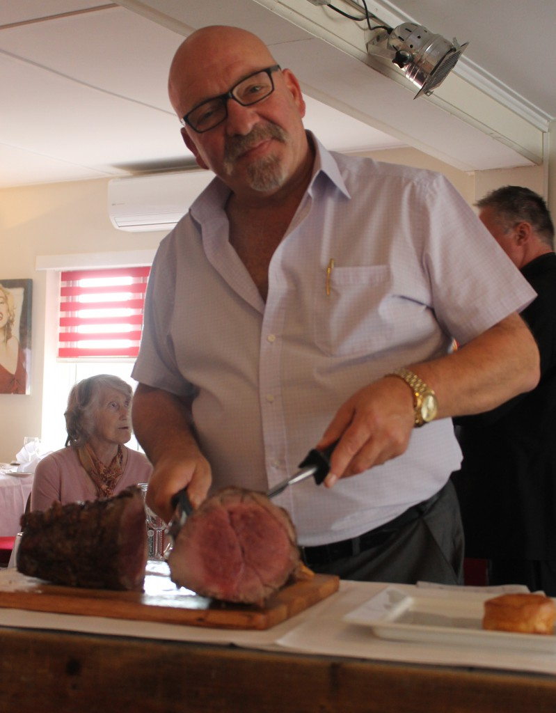 Costas - sotirios 103 - carving the beef
