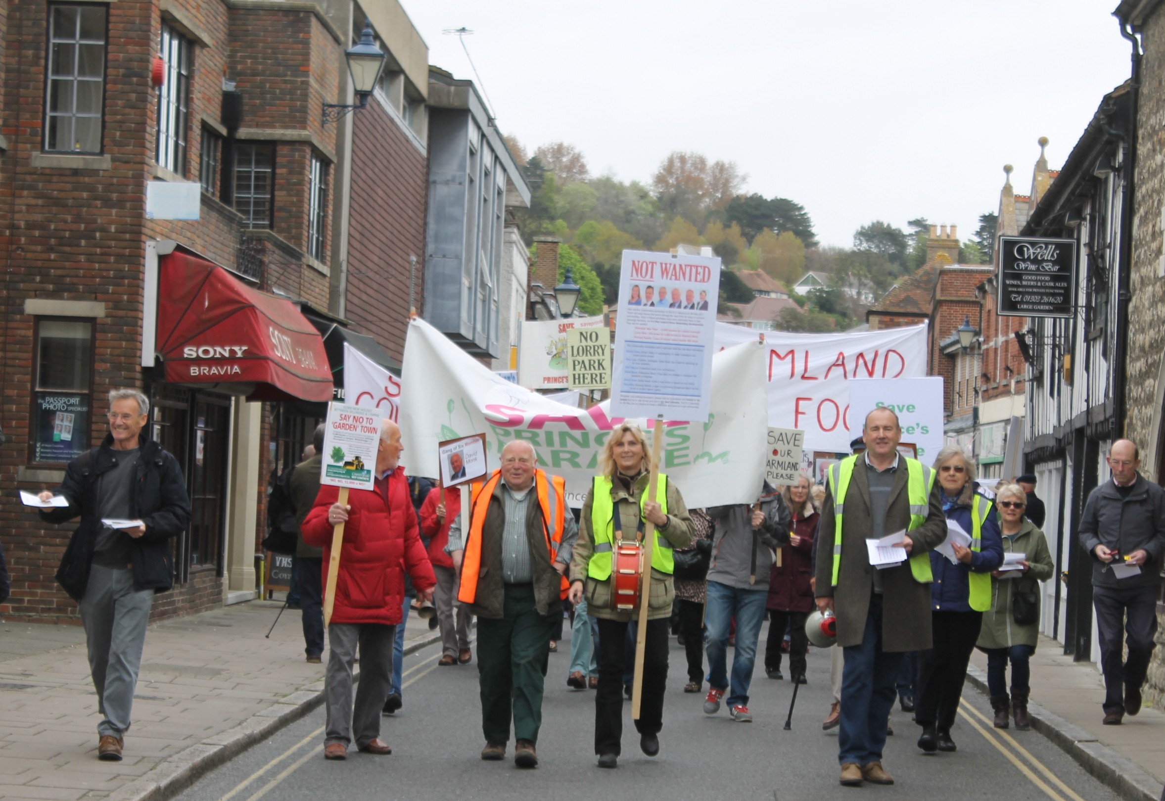 Protesters march on Hythe to rattle District Council's cage