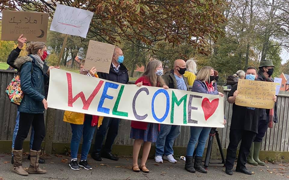 Welcome for refugees passes peacefully